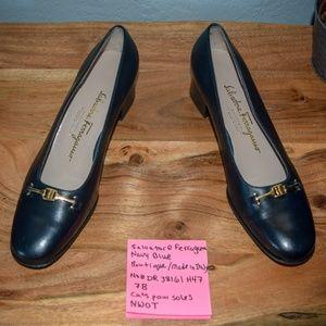 NWOT Ferragamo Boutique Navy Blue Heels